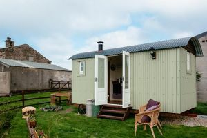Dales Shepherds Hut base
