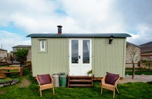 Hire Dales Shepherds Hut